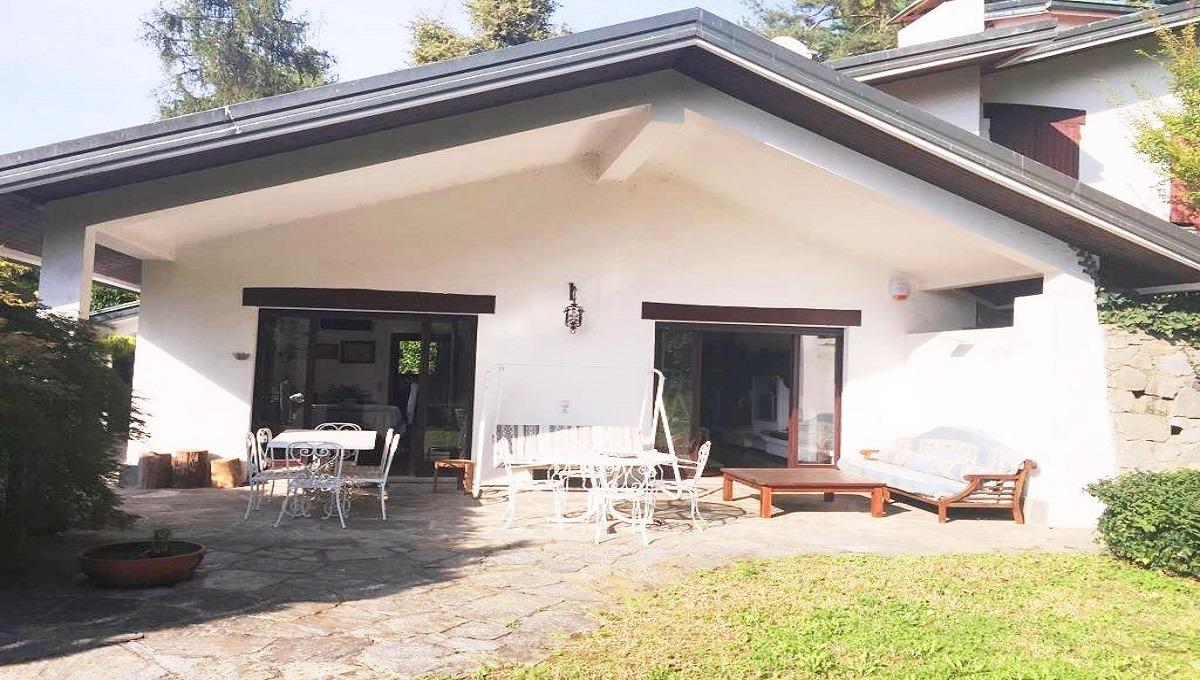 vista della villa in affitto a Carimate