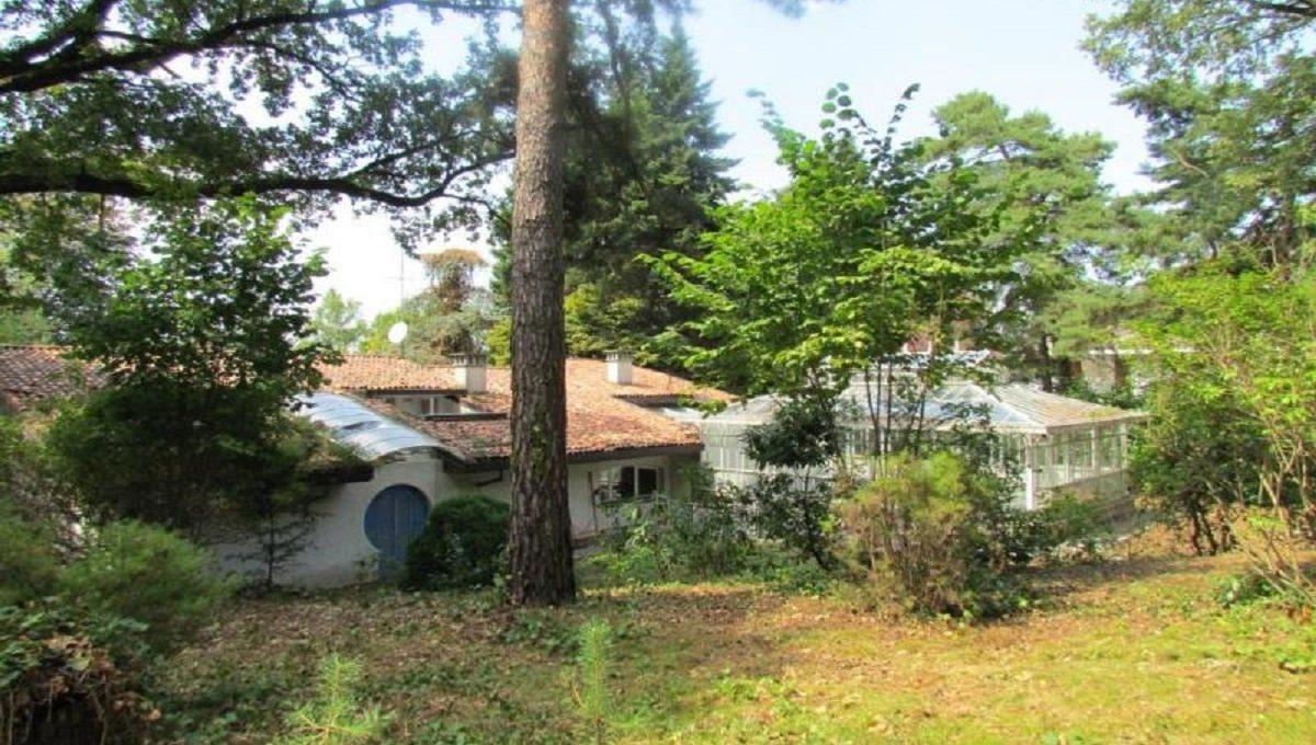 Villa in Carimate via Ronco 42  garden