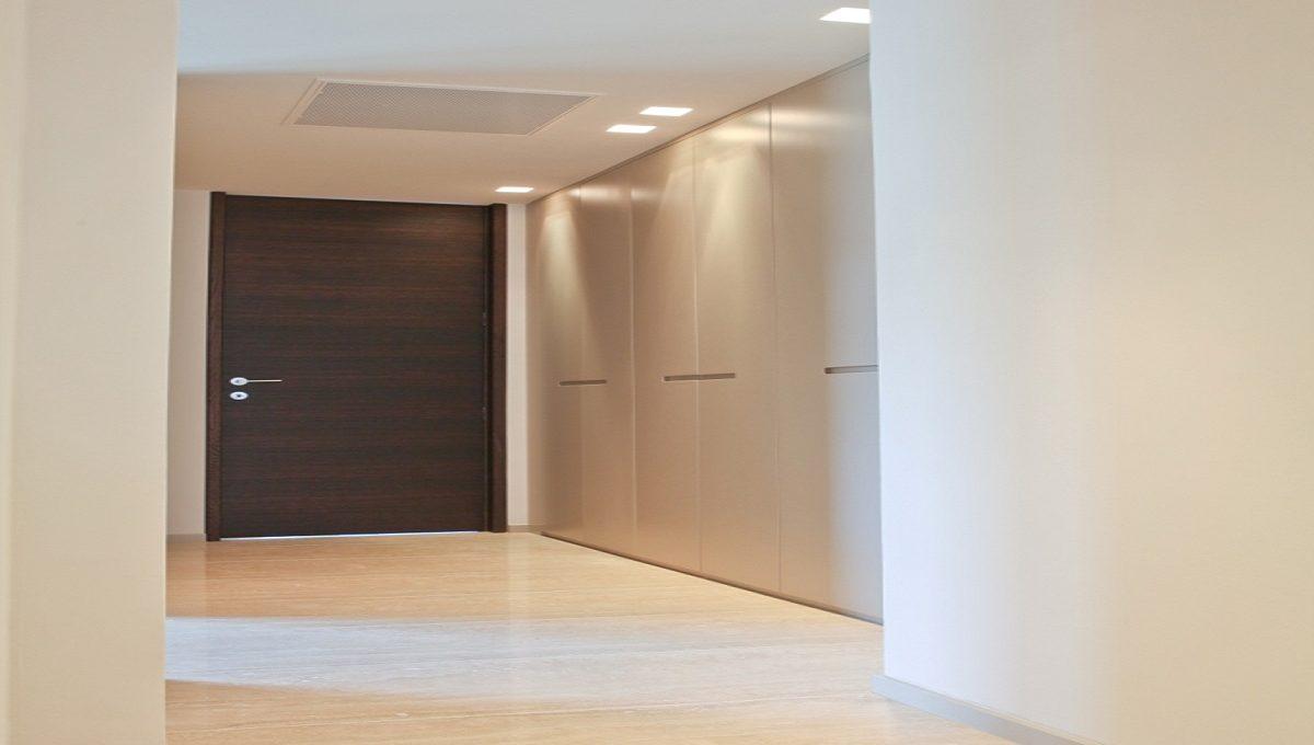 entrance luxury flat in Lugano Swizterland