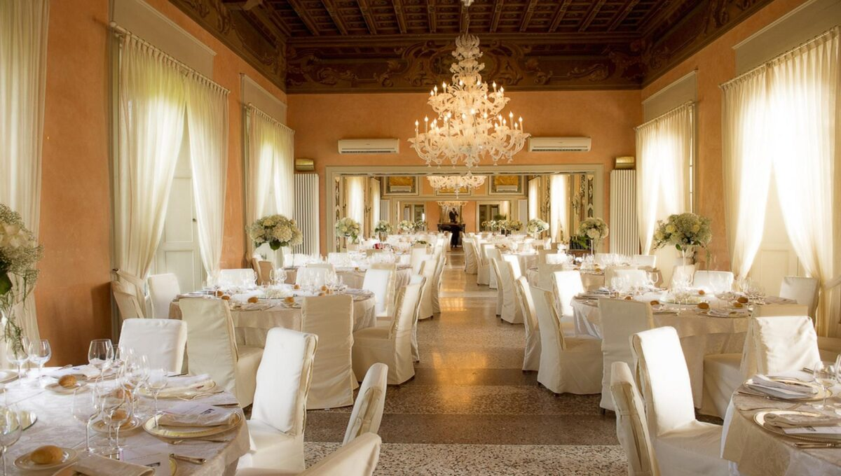 lounges for lunches and weddings