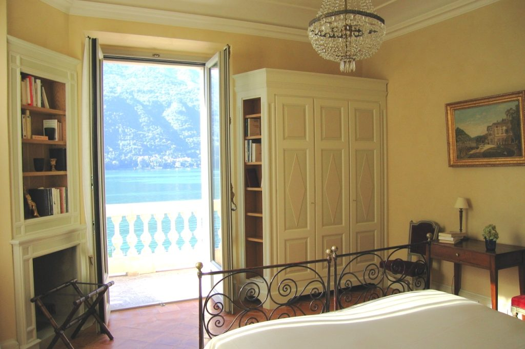 Bedroom with fantastic view of Lake Como