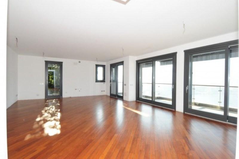 Como luxury lake view apartment