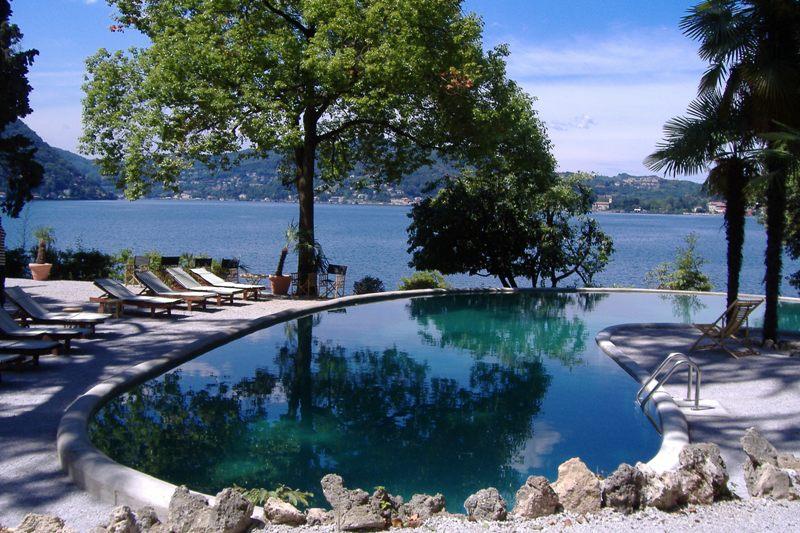 Swimming pool front Lake Como