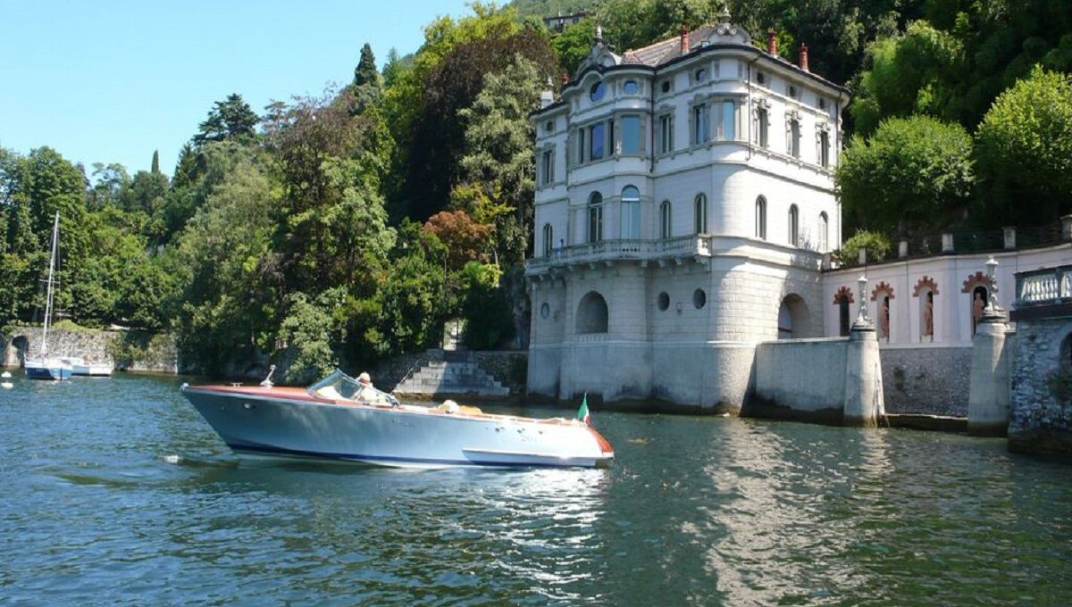 Villa for rent in Blevio from the Lake