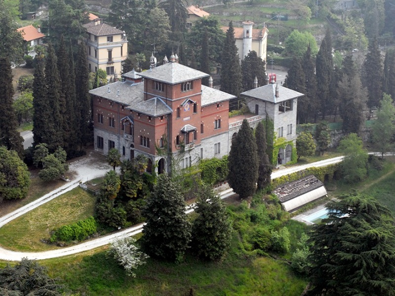 LAKE VARESE GAVIRATE – HISTORIC MANSION