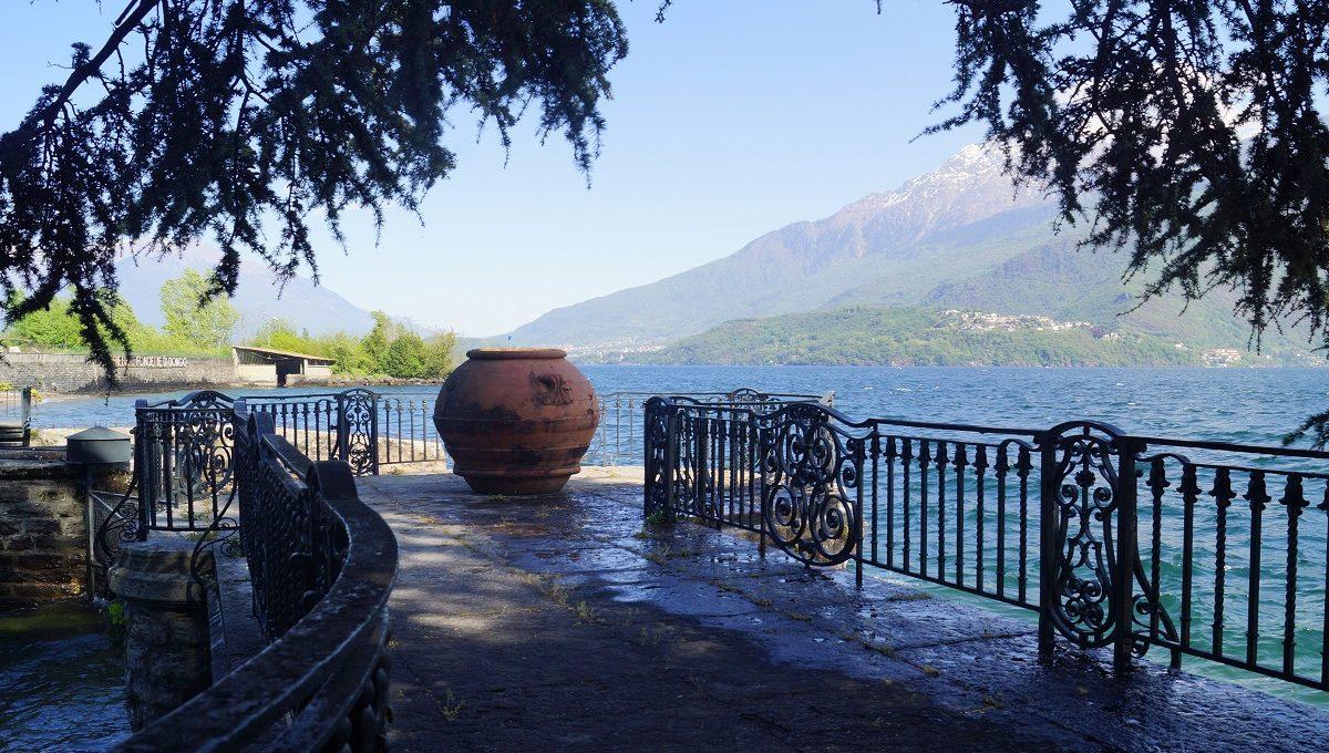 Terrace lake como
