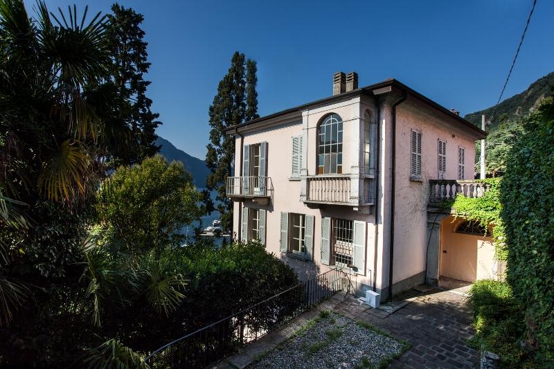Moltrasio villa Olesia