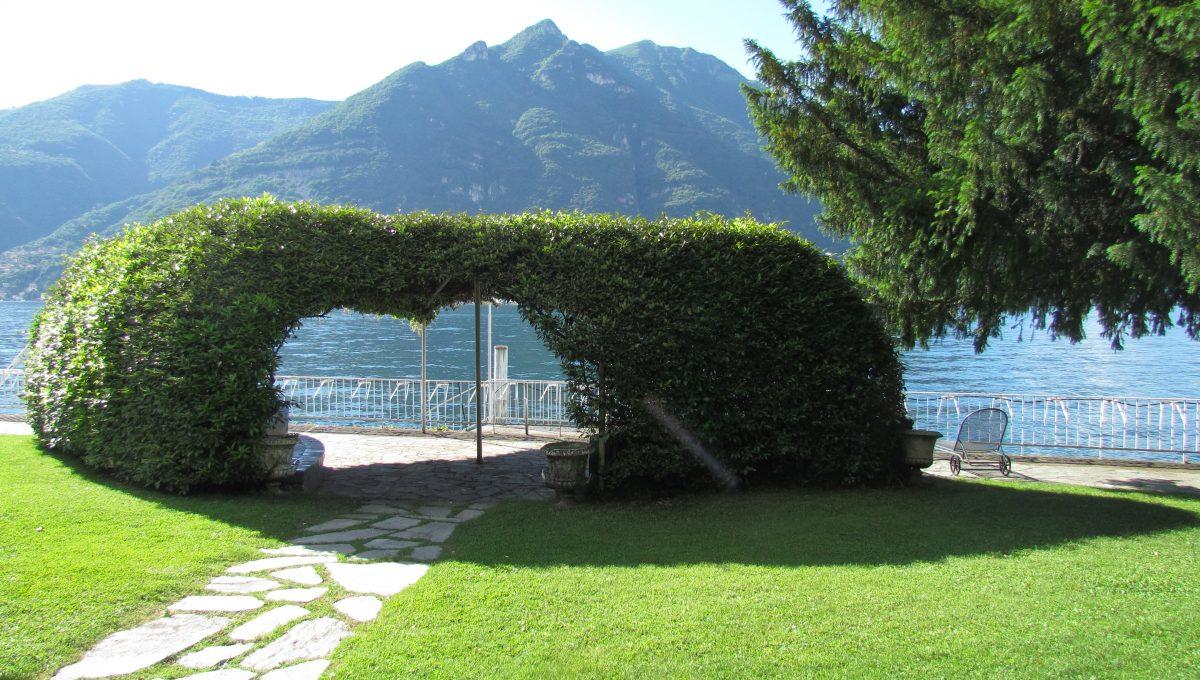 lake front garden