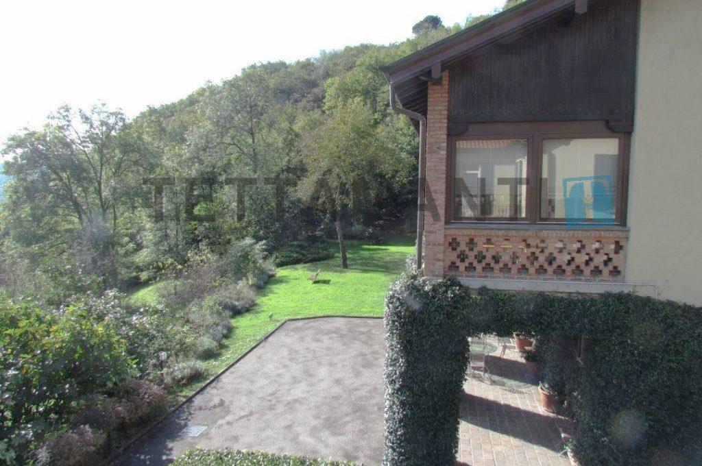 villa for sale como lake
