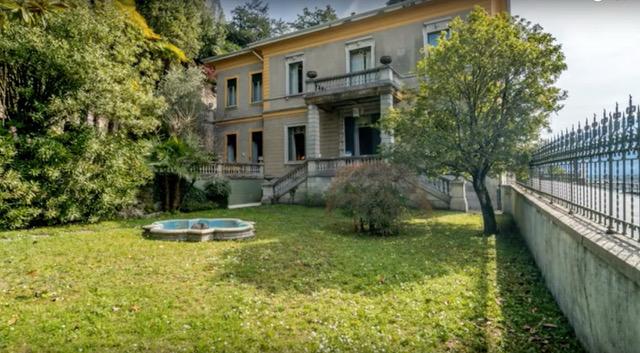 villa for sale garden front lake
