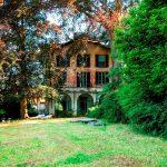 Faggeto Lemna Villa with ample park