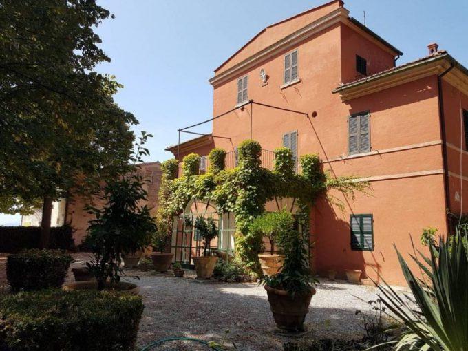 Historic villa in Jesi