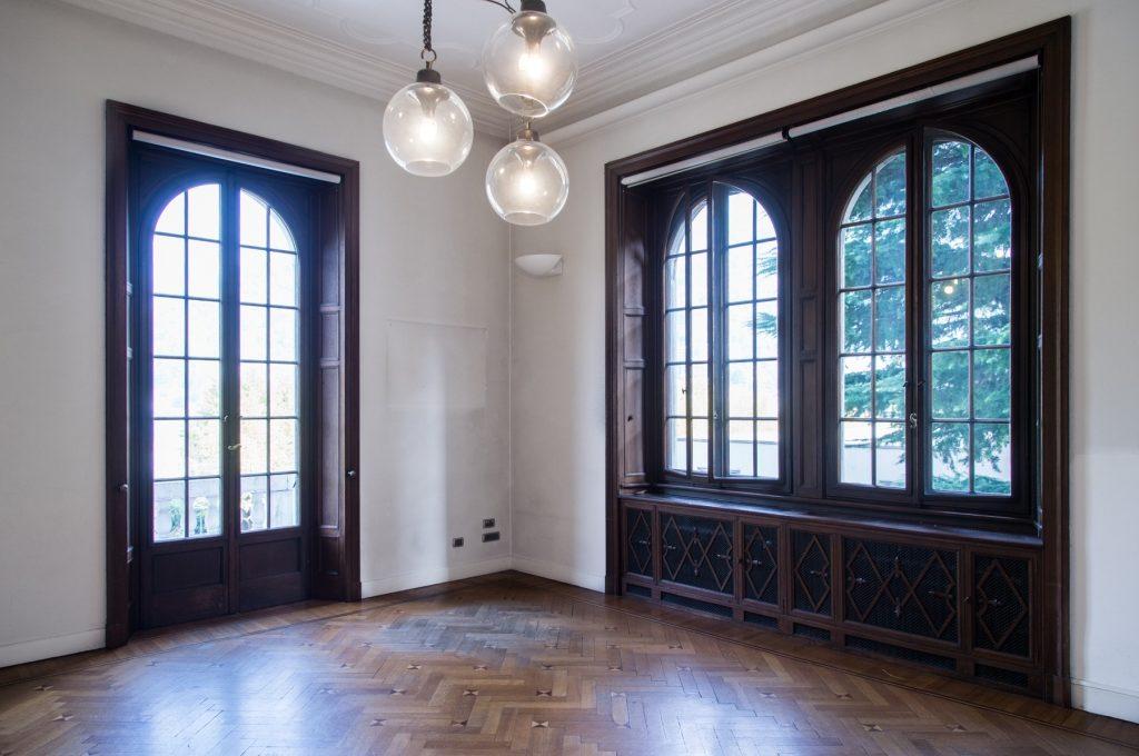 ample window room
