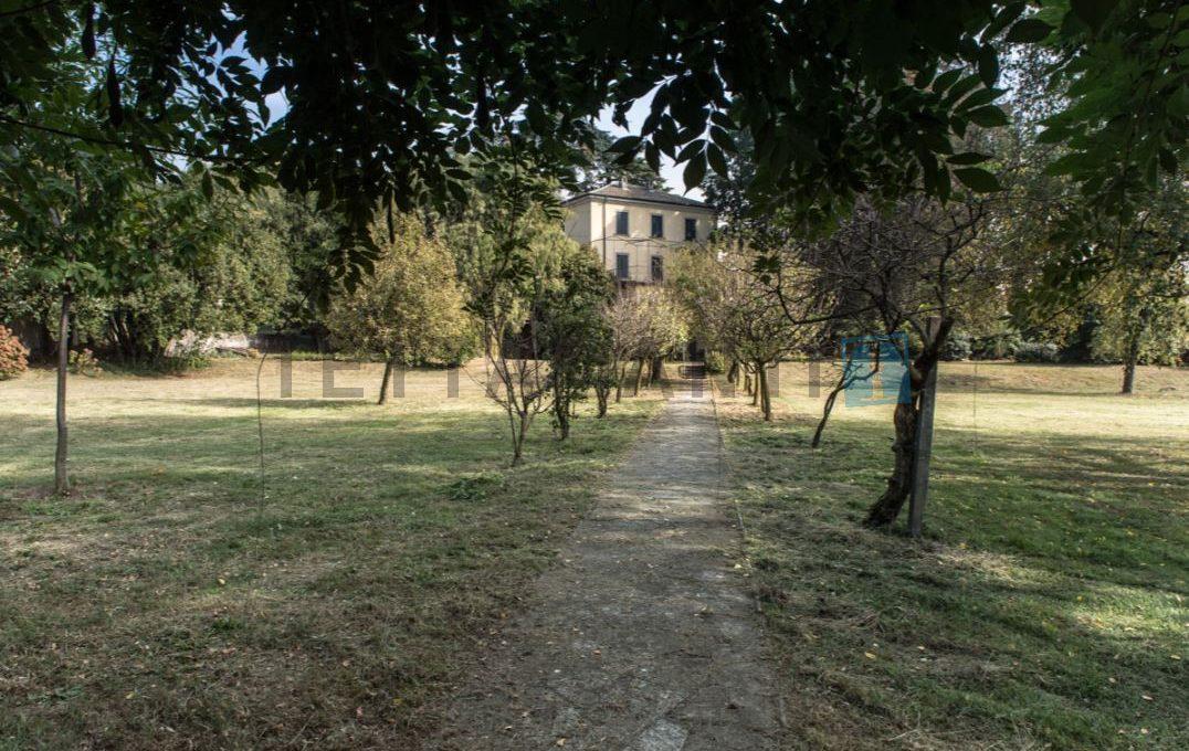 CASNATE CON BERNATE - PRESTIGIOUS VILLA (3)