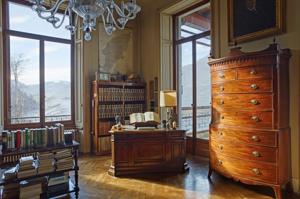 class library with incredible 180 view