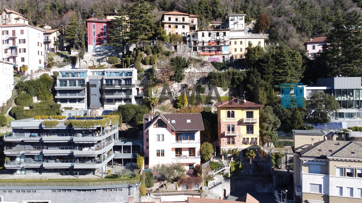 Como lake view villa with garden