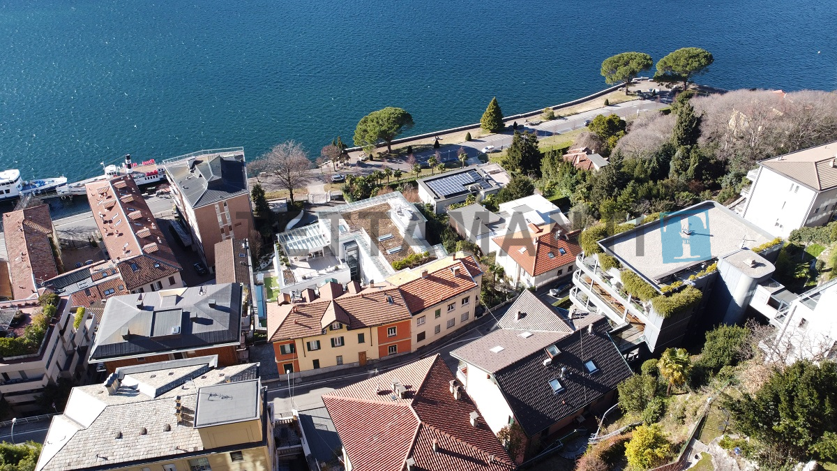 villa 2 steps from the lake in como
